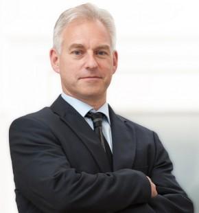 Peter Harding          (BSc MBA ACMA)